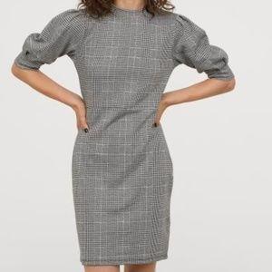 H&M Black & White Plaid Puff Sleeve Dress